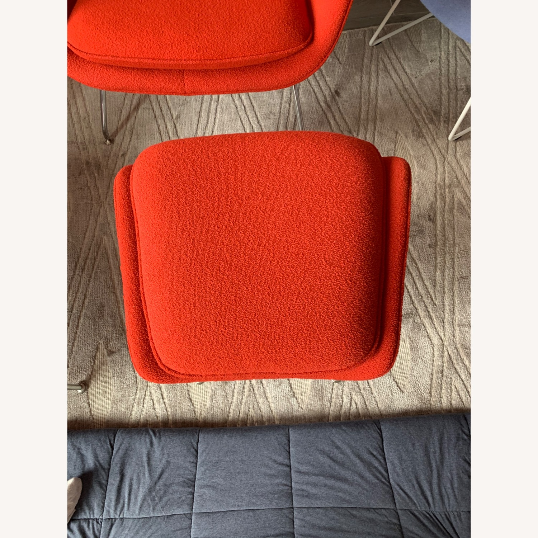 Eero Saarinen Knoll Womb Chair with Ottoman in Red - image-2