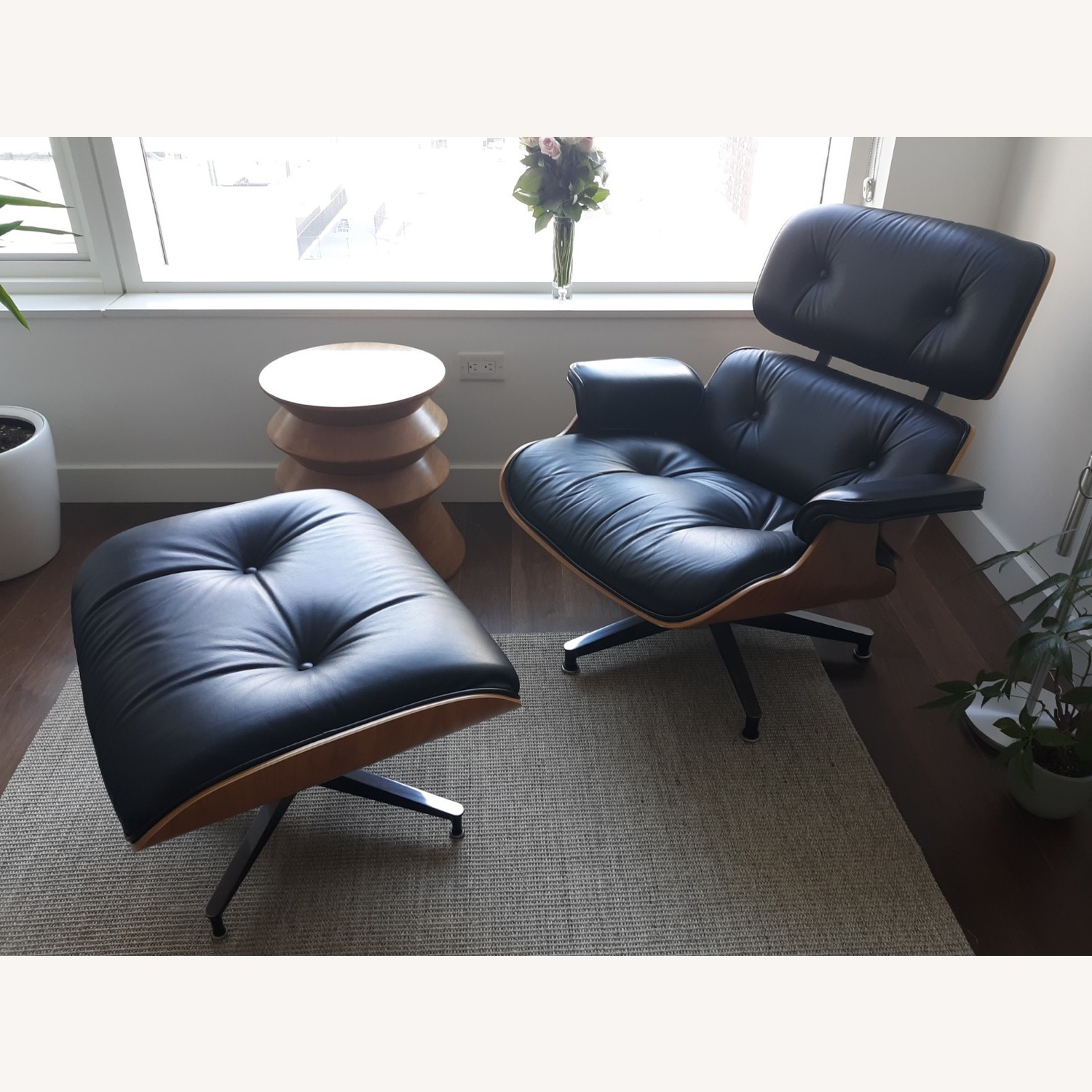 Herman Miller Eames Lounge Chair and Ottoman - image-10