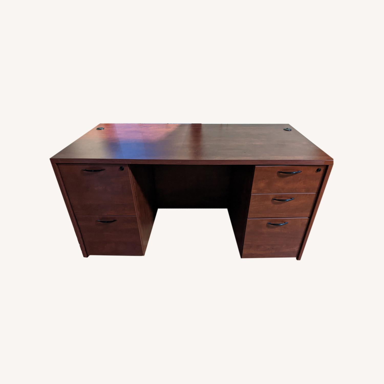 Executive Pedestal Desk w/filing Drawers - image-0