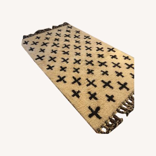 Used Anthropologie Moroccan Cross Rug (Ivory) 5' x 8' for sale on AptDeco