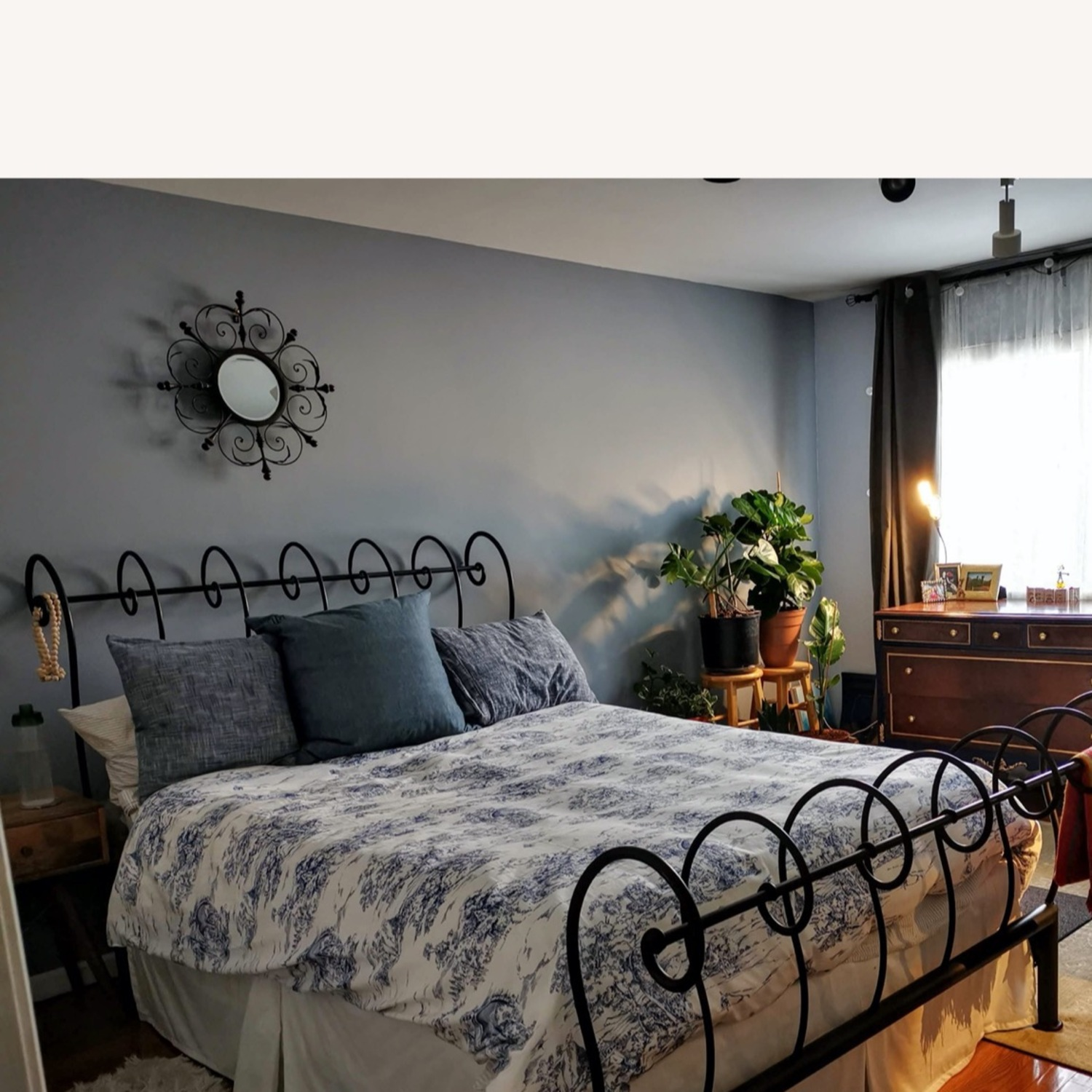 Heavy Wrought Iron Queen Sleigh Bed - image-5