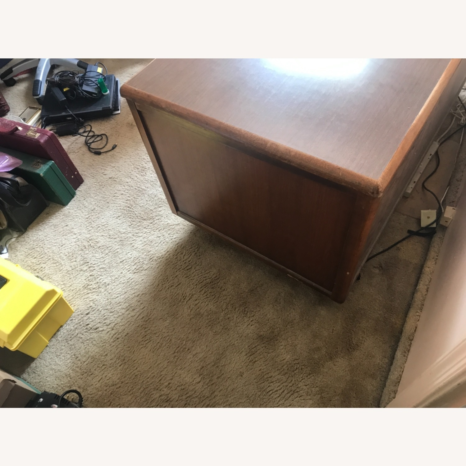 Wooden Desk with Locking Central Drawer - image-3
