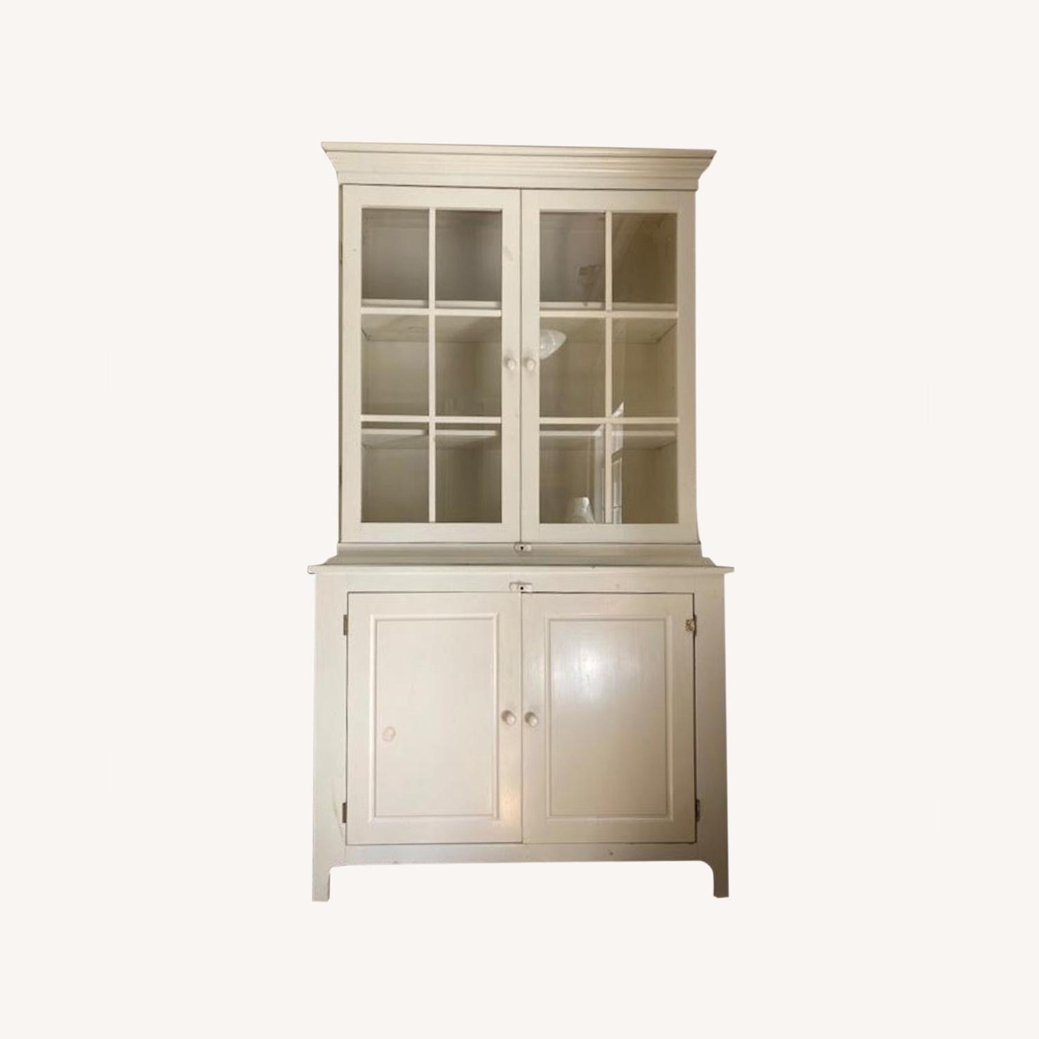 Hutch - Glass Front and Solid Doors with Shelving - image-0