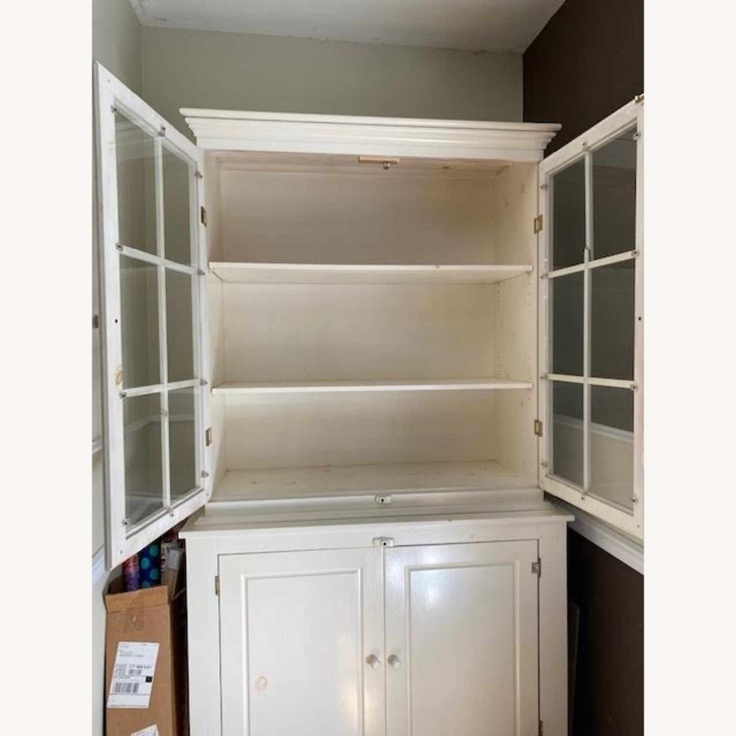 Hutch - Glass Front and Solid Doors with Shelving - image-2
