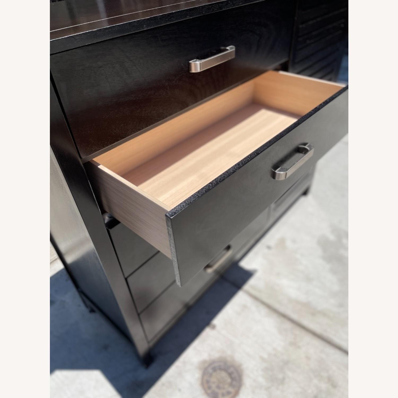 Chuanheng Furniture Black Dresser w/ Mirror - image-9