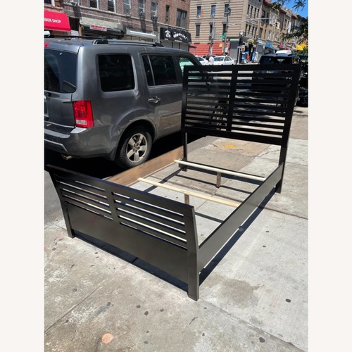 Used Chuanheng Furniture Full Size Bed for sale on AptDeco