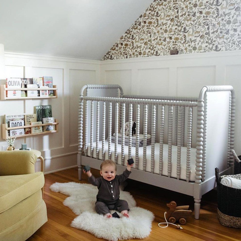 Crate & Kids Crib w/ Toddler Bed Conversion Kit - image-4