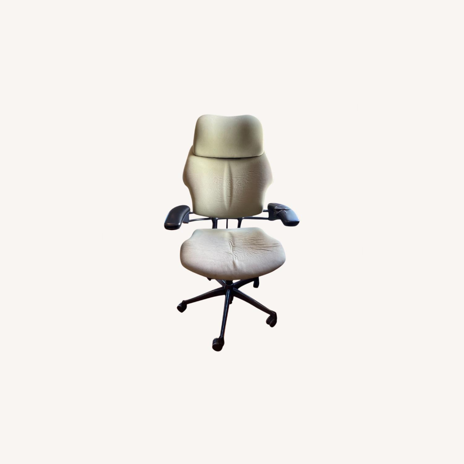 Human scale Freedom Chair - image-0