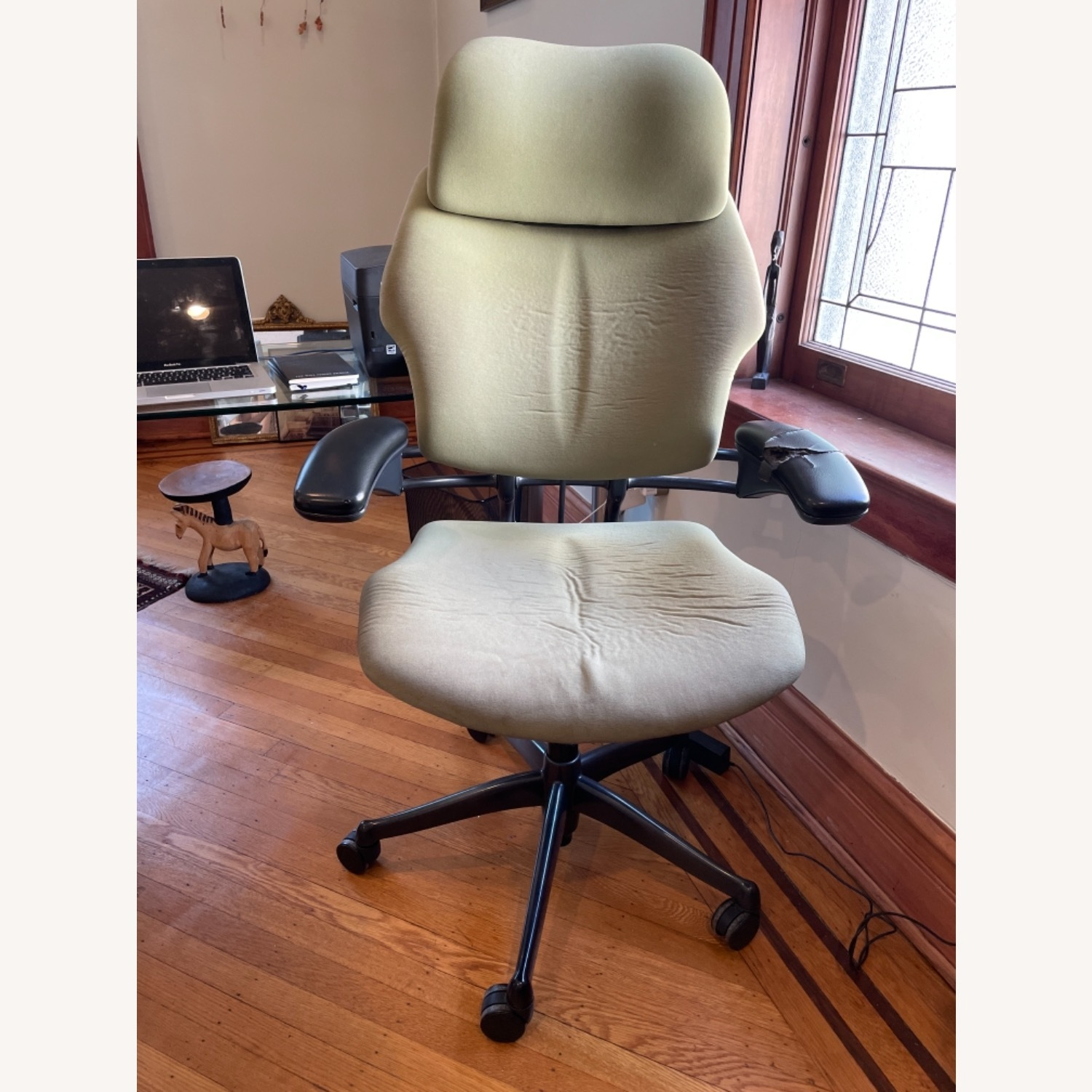 Human scale Freedom Chair - image-1