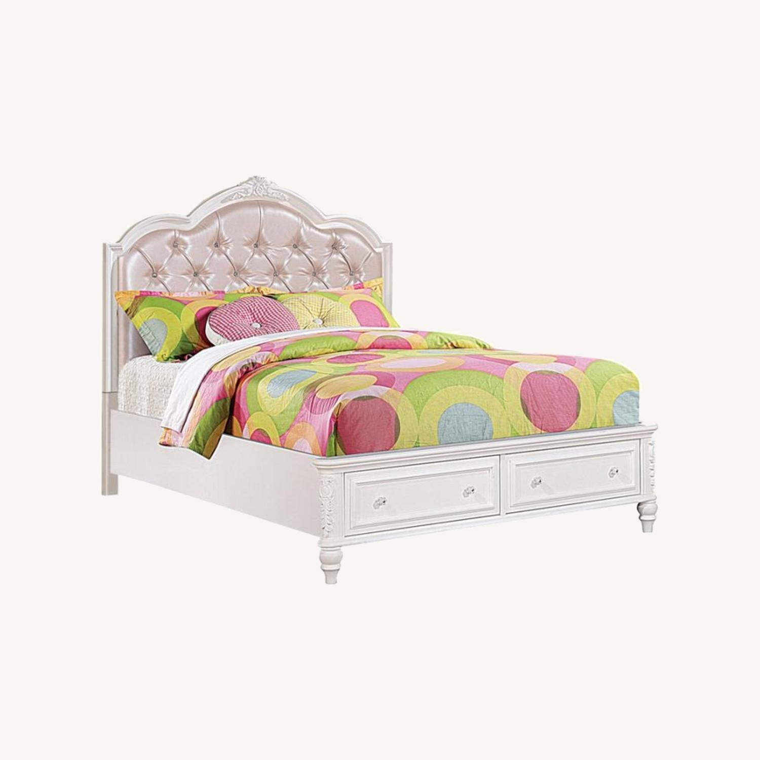Twin Bed In White Finish W/ Pink Leatherette - image-4