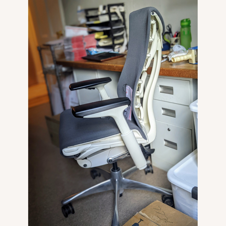 Embody Chair by Herman Miller - image-9