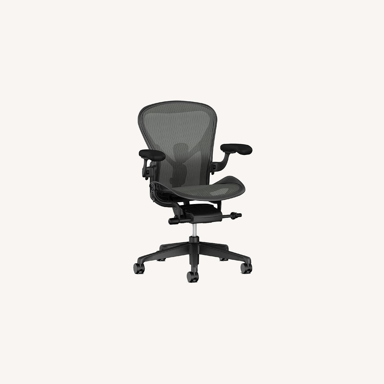 Herman Miller Aeron Chair Size B - image-0