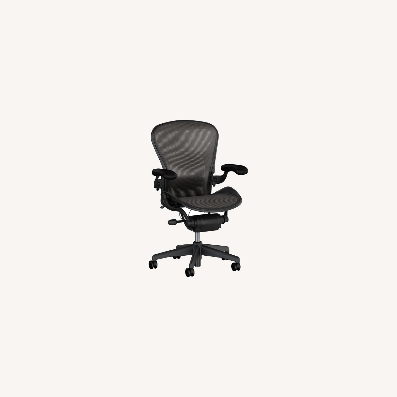 Herman Miller 'Classic' Aeron Chair Size B - image-0
