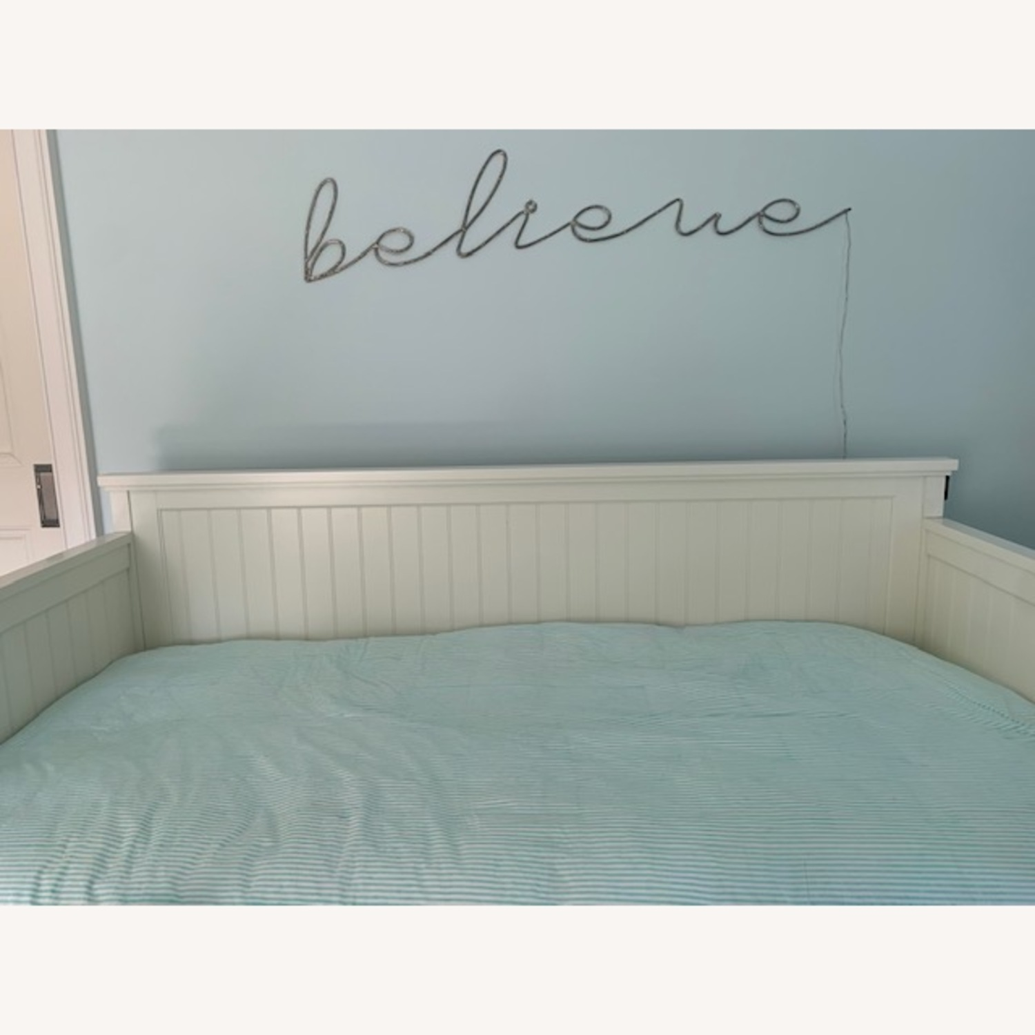 Pottery Barn Teen Daybed & Trundle - image-4