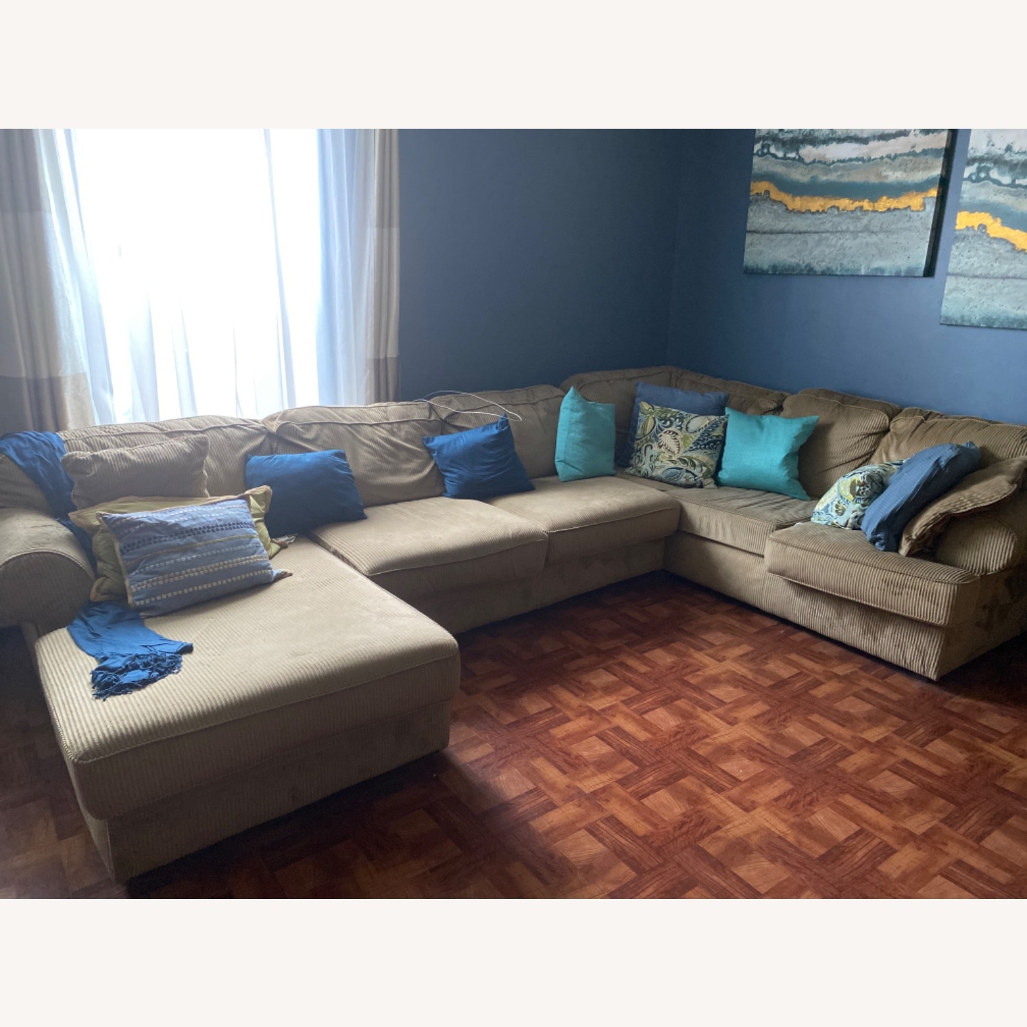 3 Piece Sectional - image-1