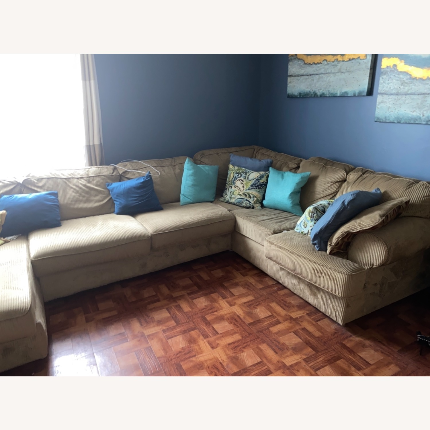 3 Piece Sectional - image-4