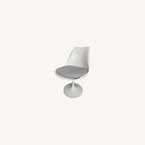 Used Knoll Eero Saarinen Armless Tulip Chair set of 4 for sale on AptDeco