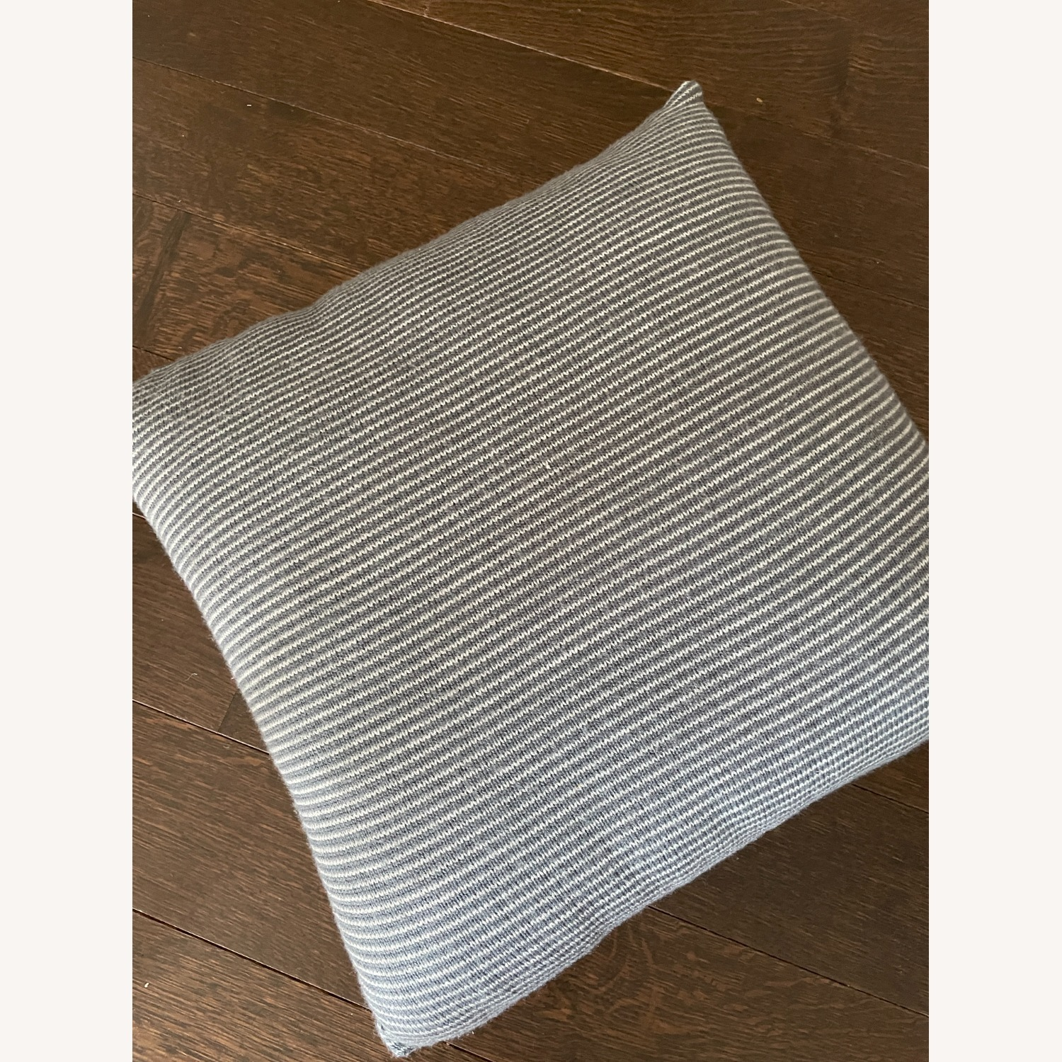 Kenneth Cole Home Set of Pillows - image-4