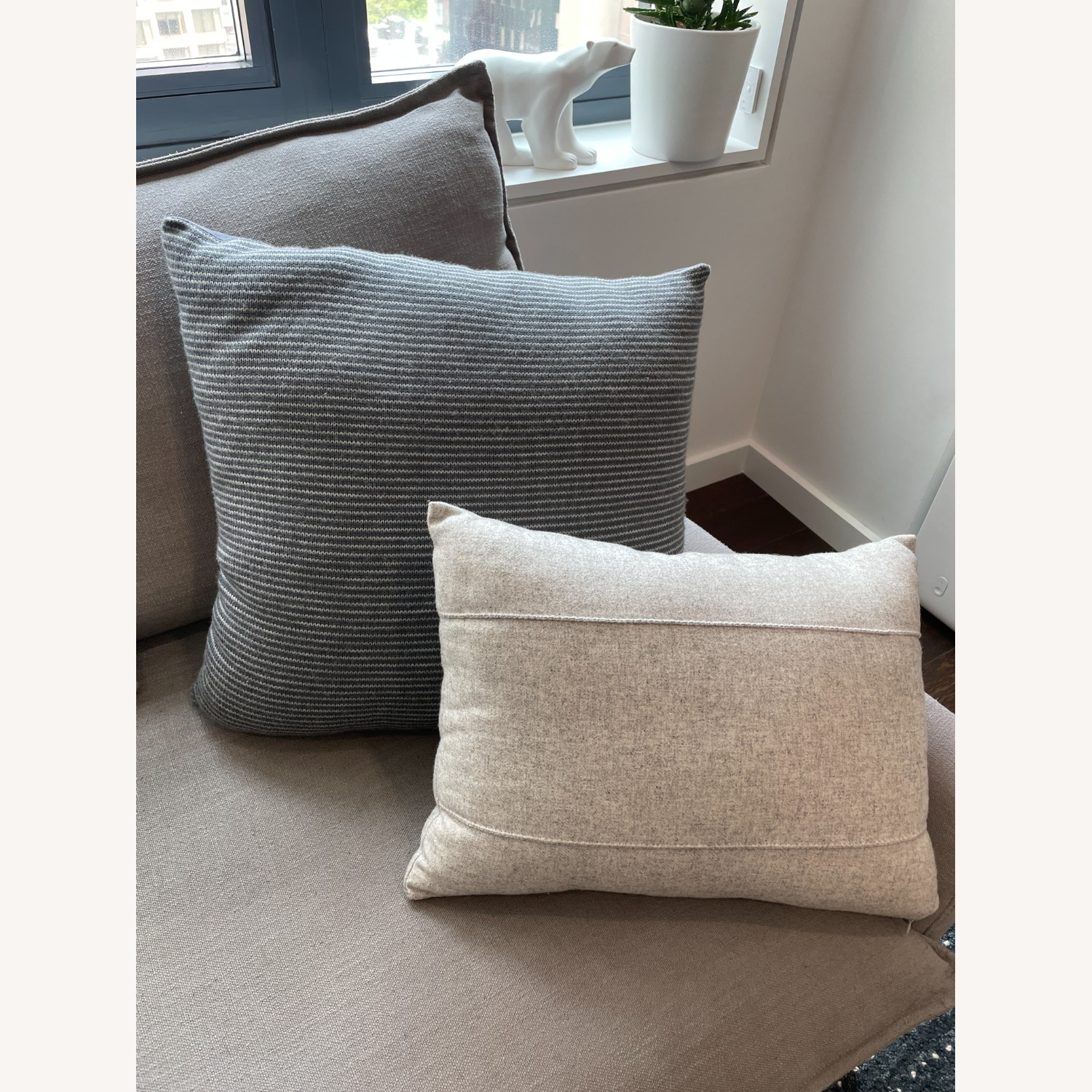 Kenneth Cole Home Set of Pillows - image-6