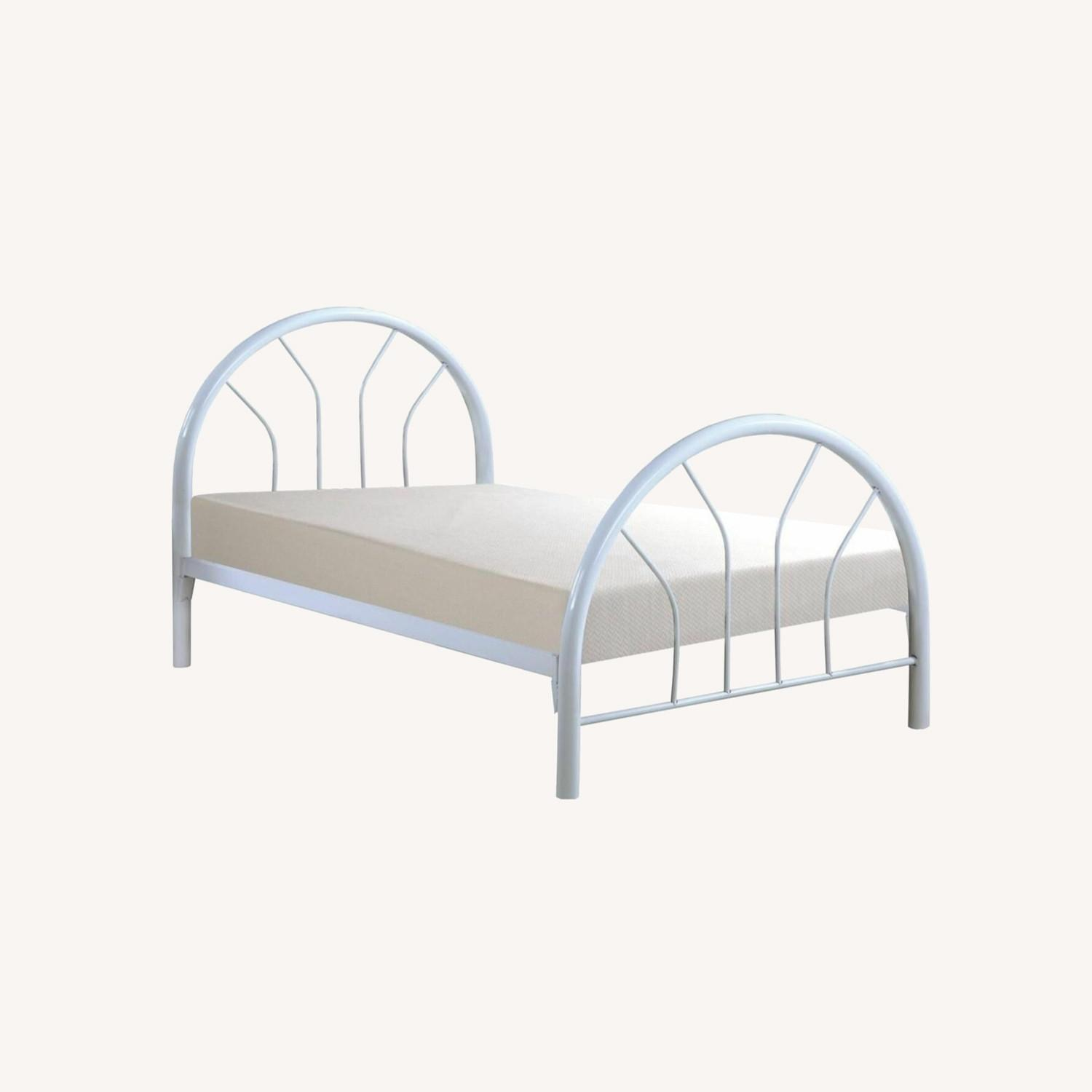Contemporary Twin Bed In White Metal Finish - image-4