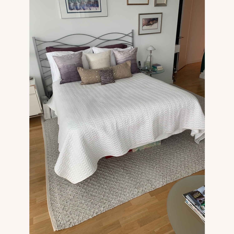 Modern Design Silver Metal Queen Bed - image-5