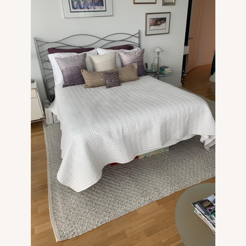 Modern Design Silver Metal Queen Bed - image-1