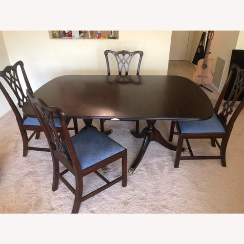 Used Henkel Harris Dining +4 matching Chairs for sale on AptDeco