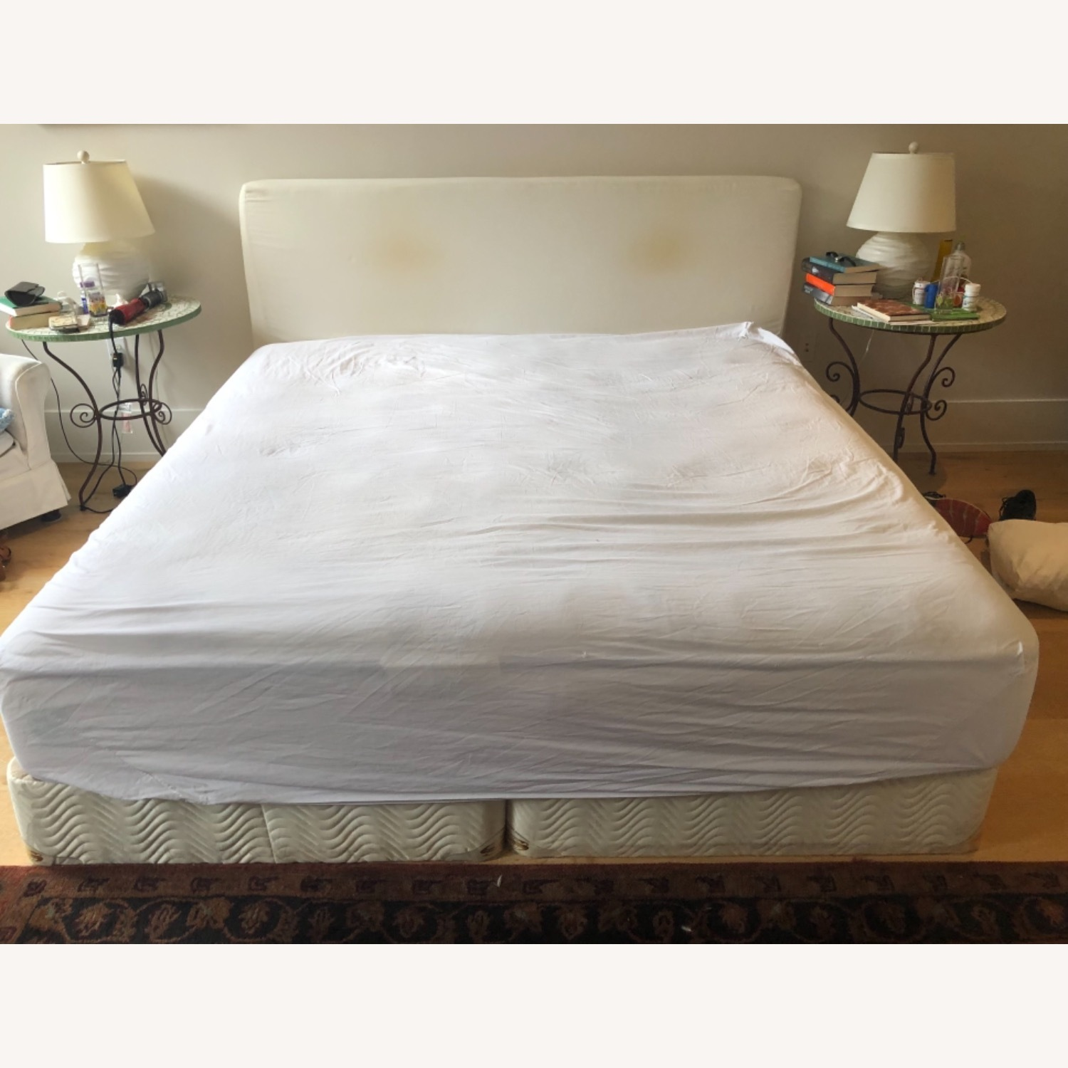 King Size Bed - image-1