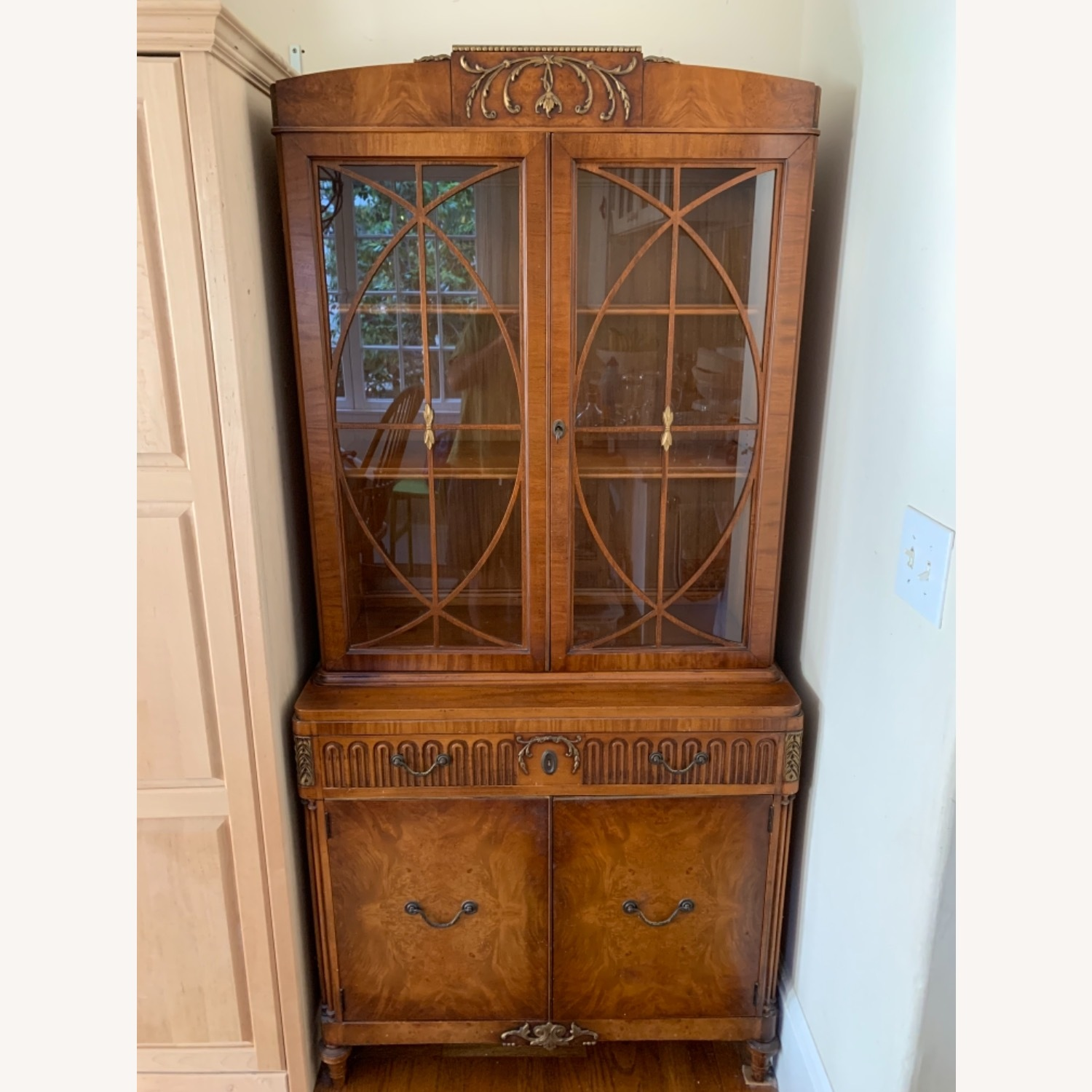Breakfast Style Curio Cabinet - image-1