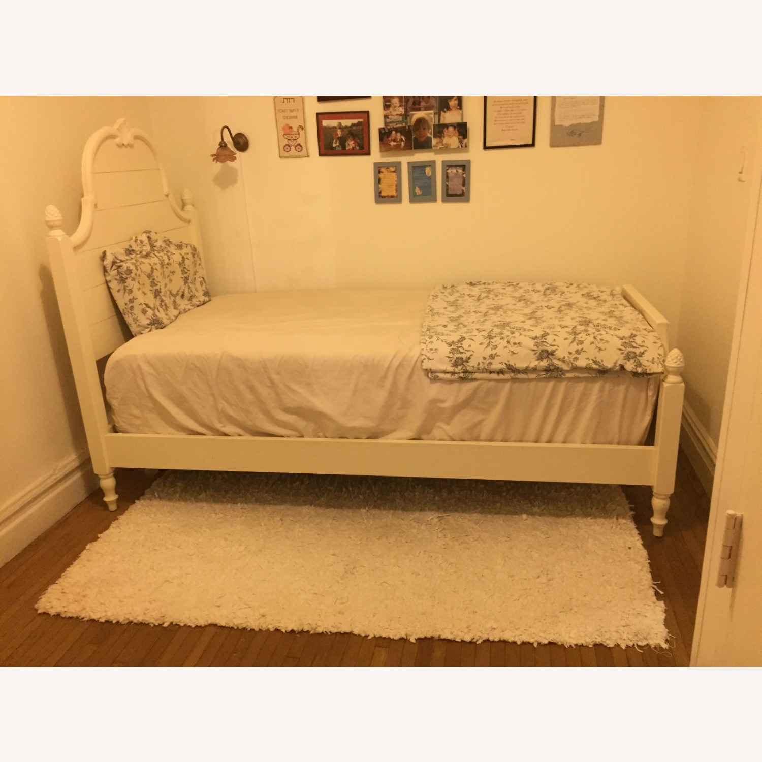 Ethan Allen Twin Bed - image-4