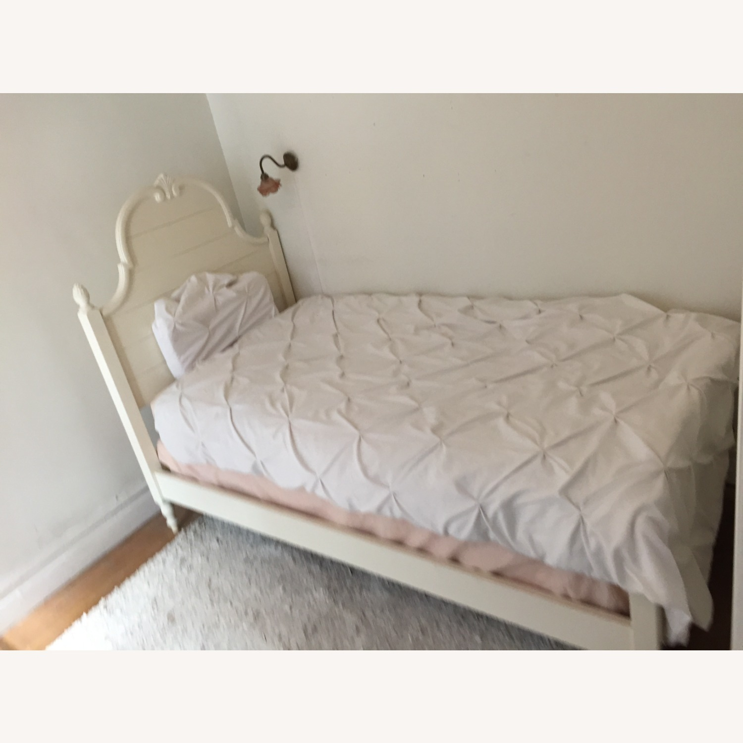 Ethan Allen Twin Bed - image-1