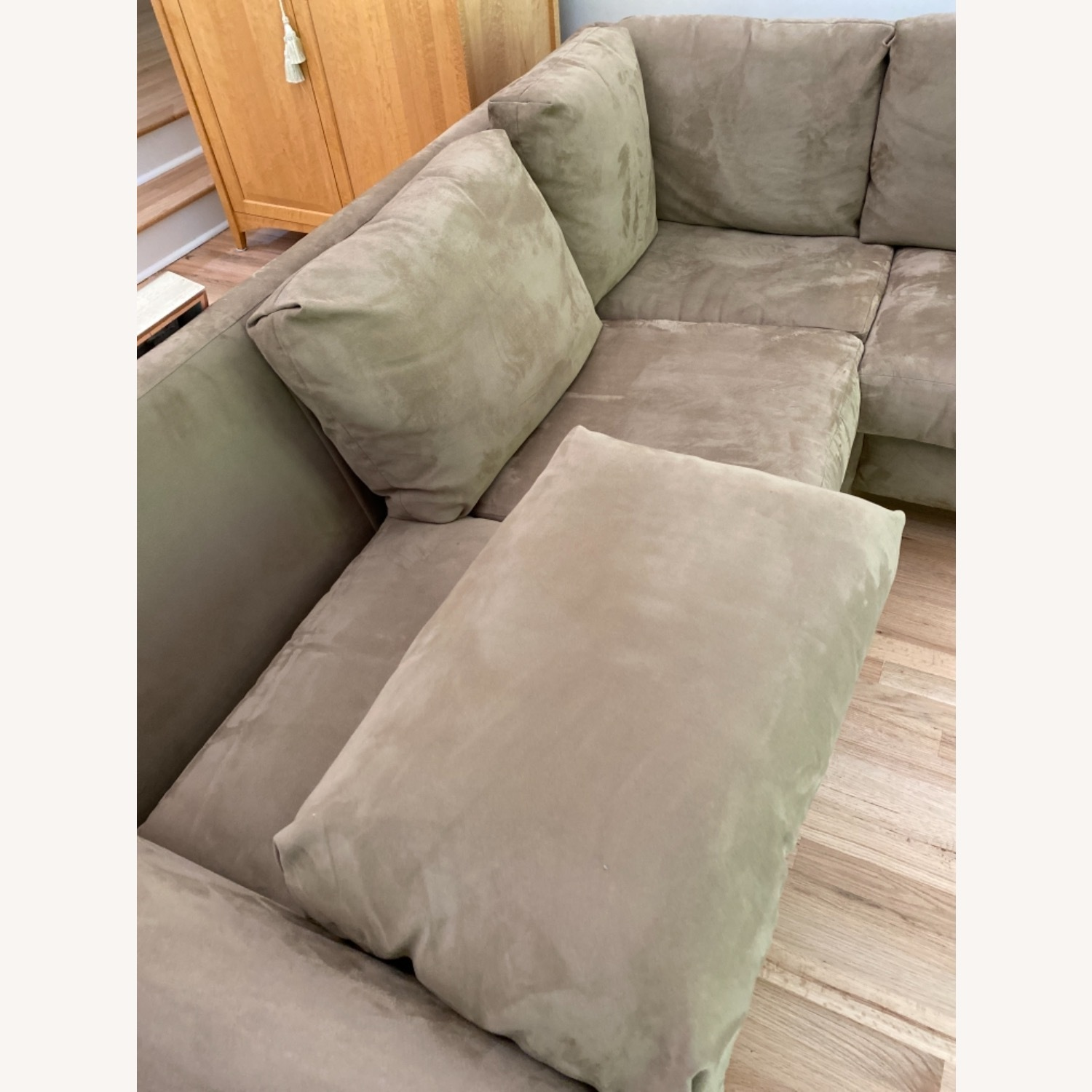 Pompy Suede 5 Cushion Sectional - image-4