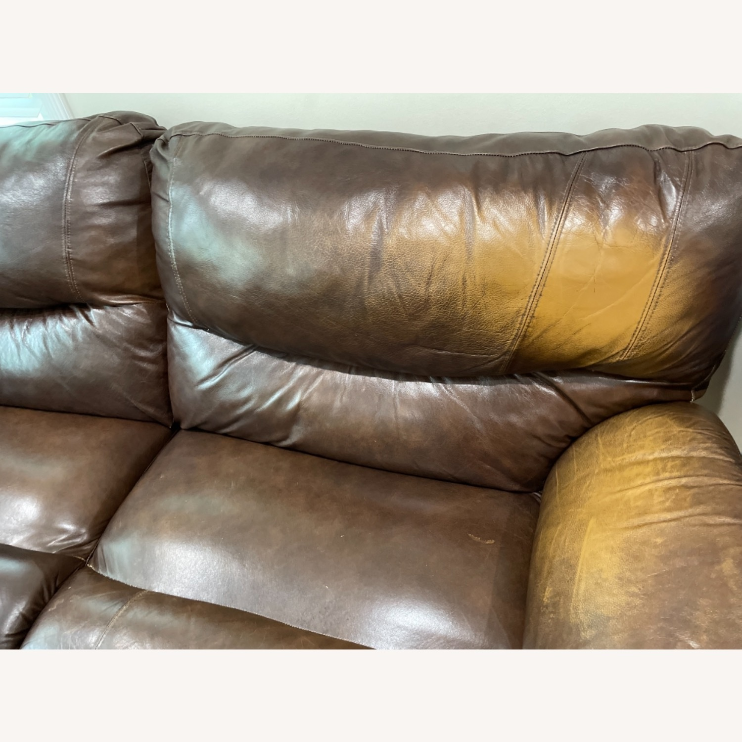 La-ZY-Boy Leather Sectional with Recliners - image-2