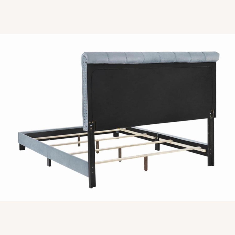 Full Bed In State Blue Velvet Upholstery Finish - image-2