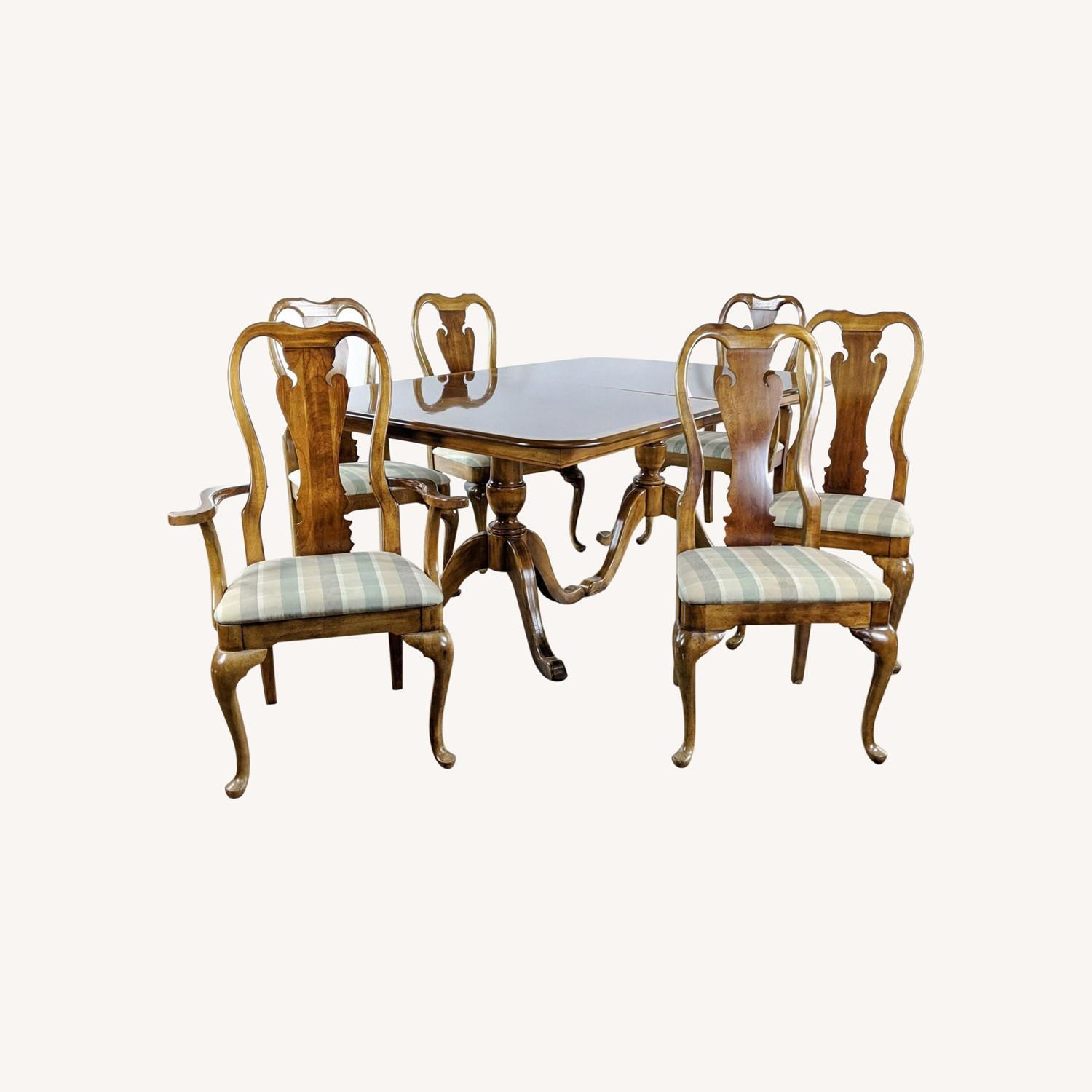 Thomasville Seven-Piece Anne Style  Dining Set - image-0