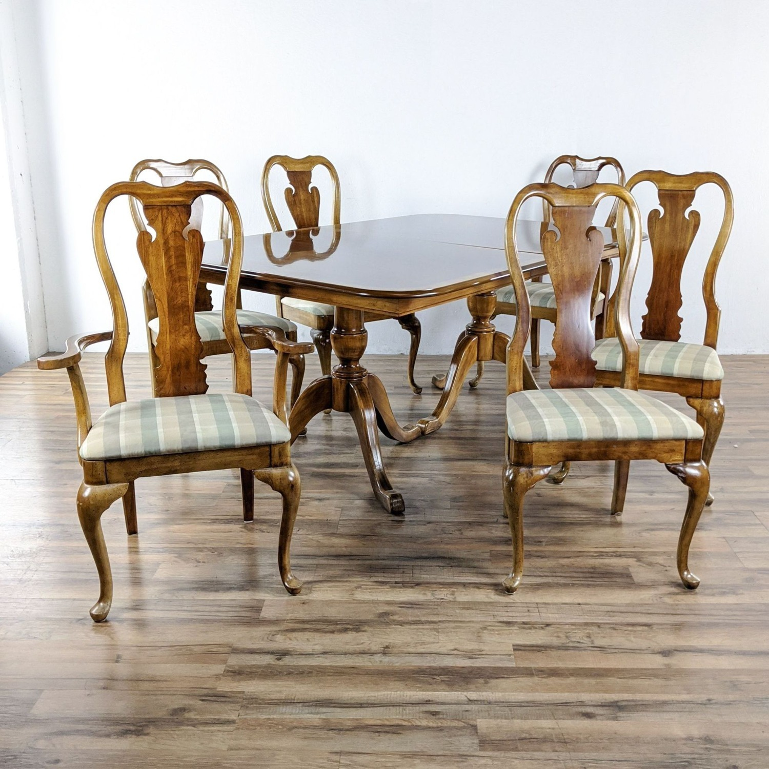 Thomasville Seven-Piece Anne Style  Dining Set - image-4