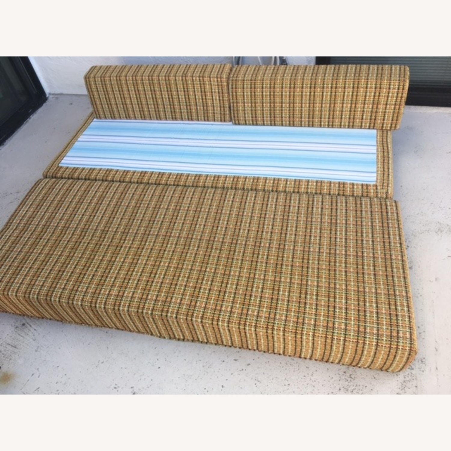 Trundle Bed with Boosters - image-3
