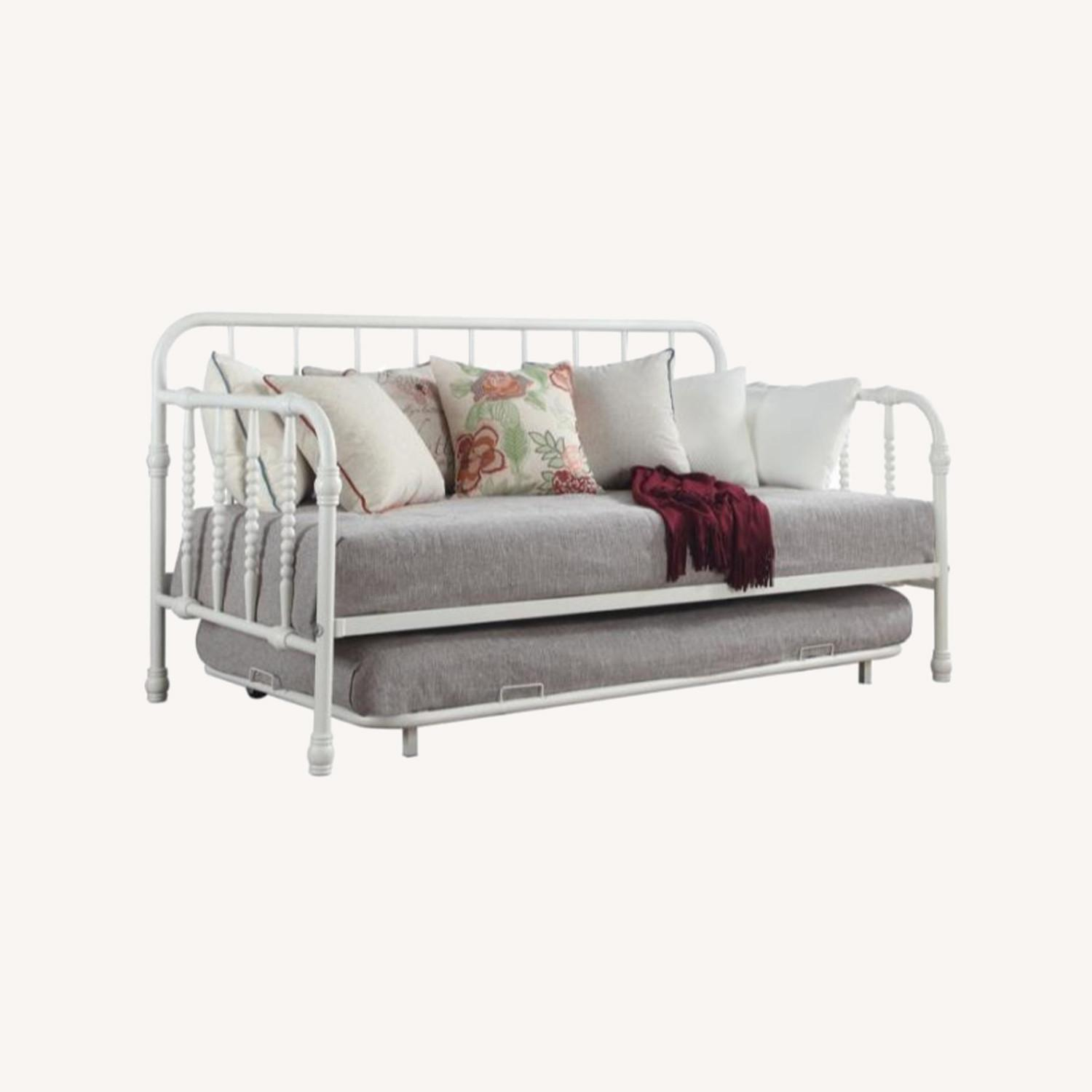 Twin Daybed W/ Trundle In White Steel Tubing - image-4