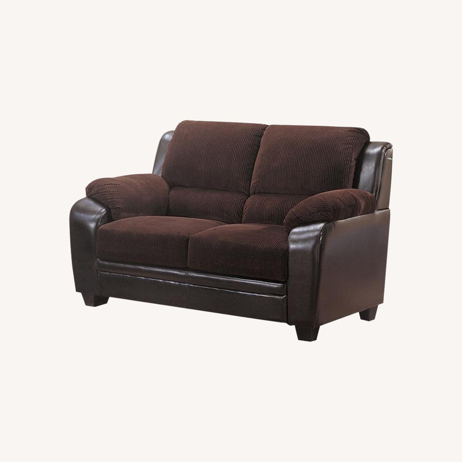 Loveseat In Rich Chocolate Leatherette - image-5