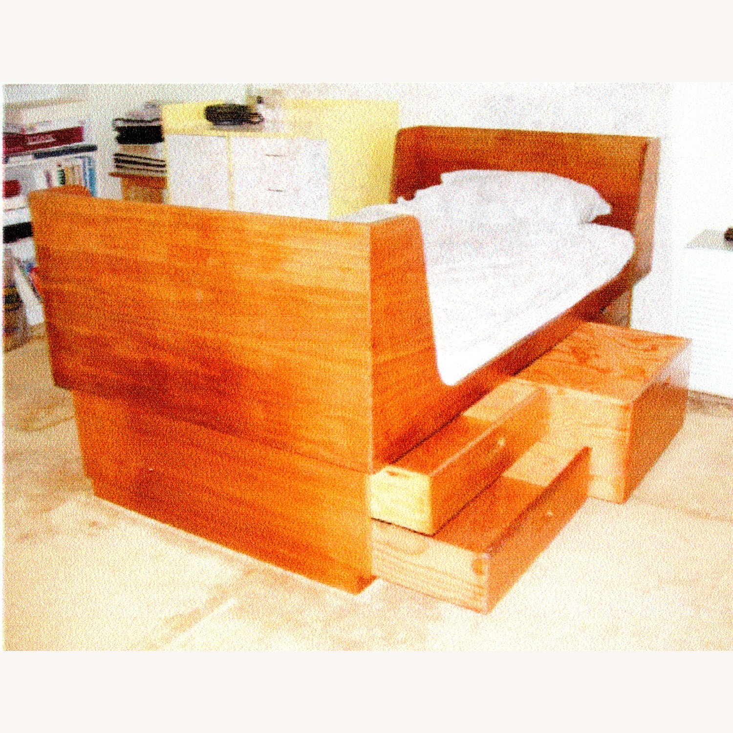 Bed Twin with 5 Storage Drawers - image-1