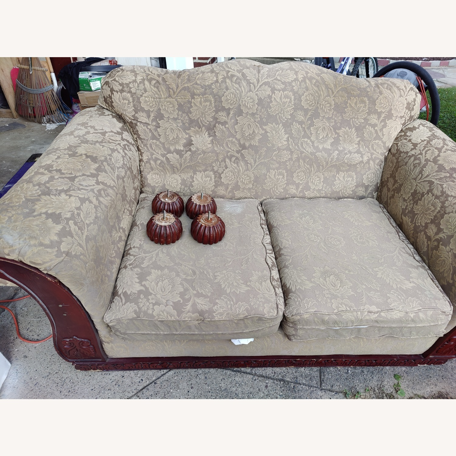 Loveseat with two Stretch Slipcovers - image-3