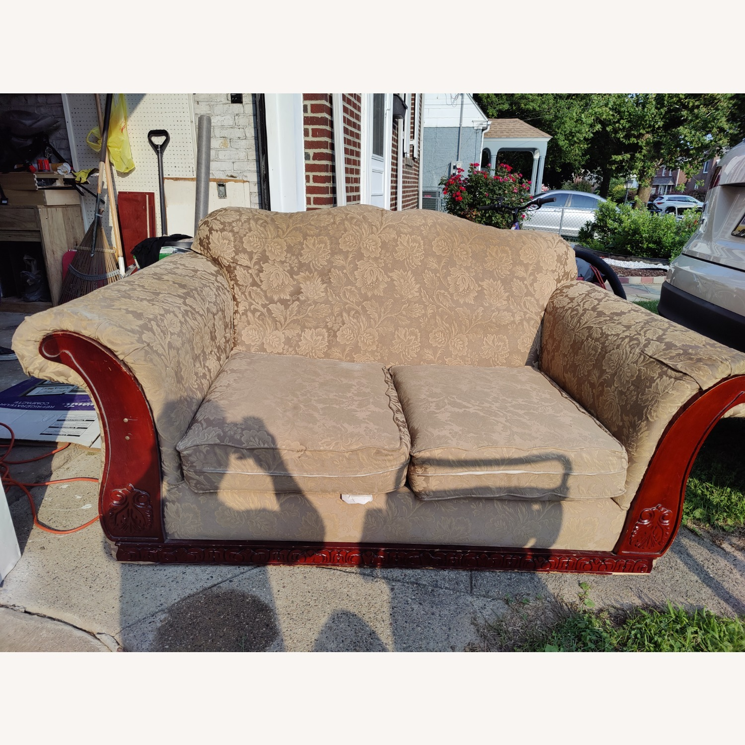 Loveseat with two Stretch Slipcovers - image-5