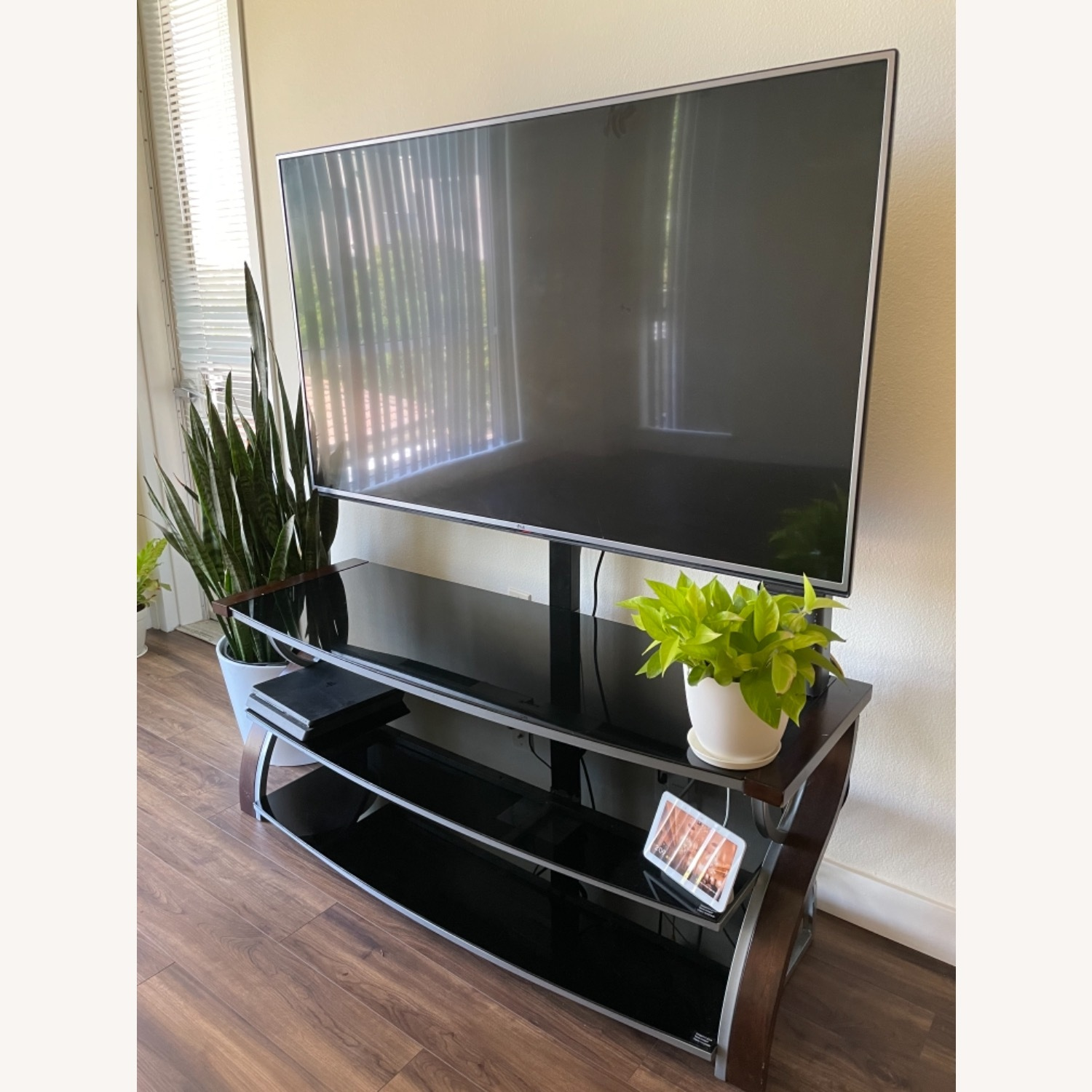 Whalen Furniture TV Stand upto 65 3-in-1 Flat Panel - image-1