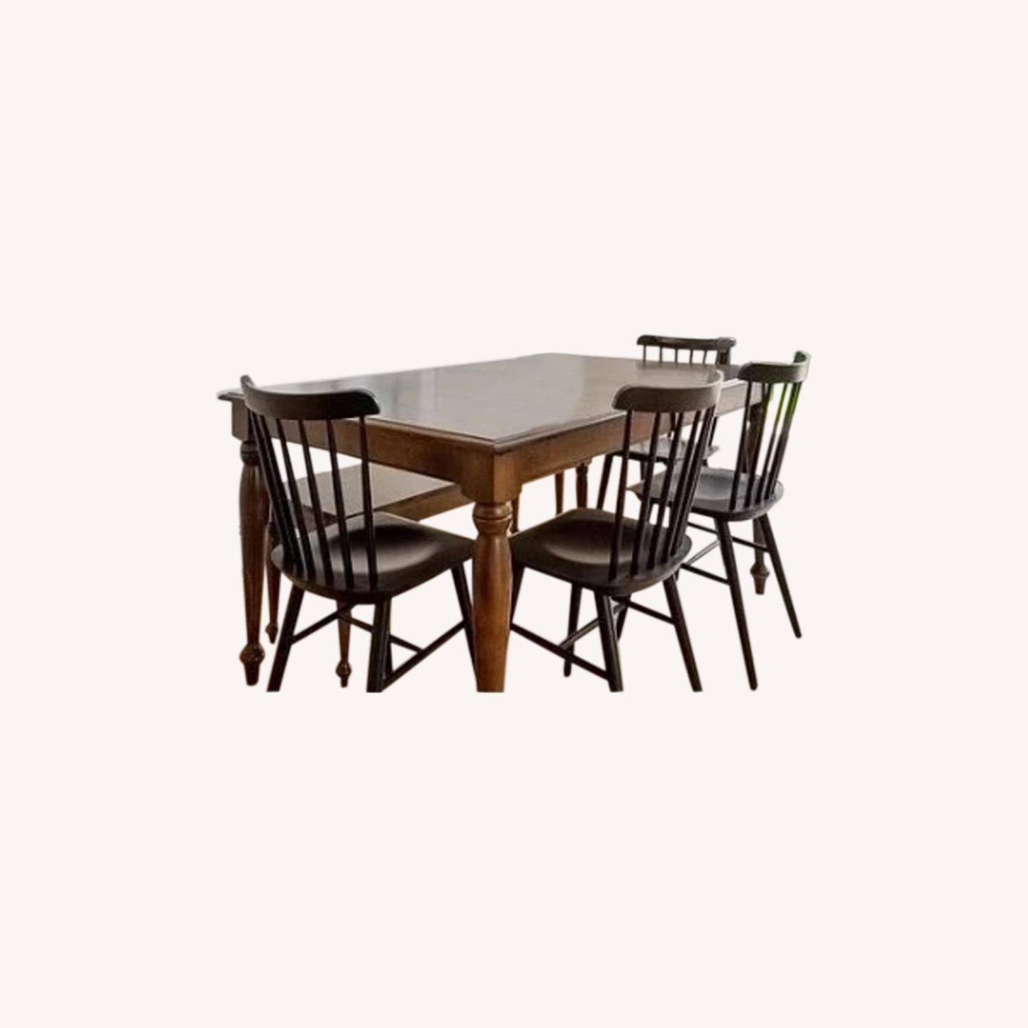 Canadel Dining Table with 2 Leaves - image-0