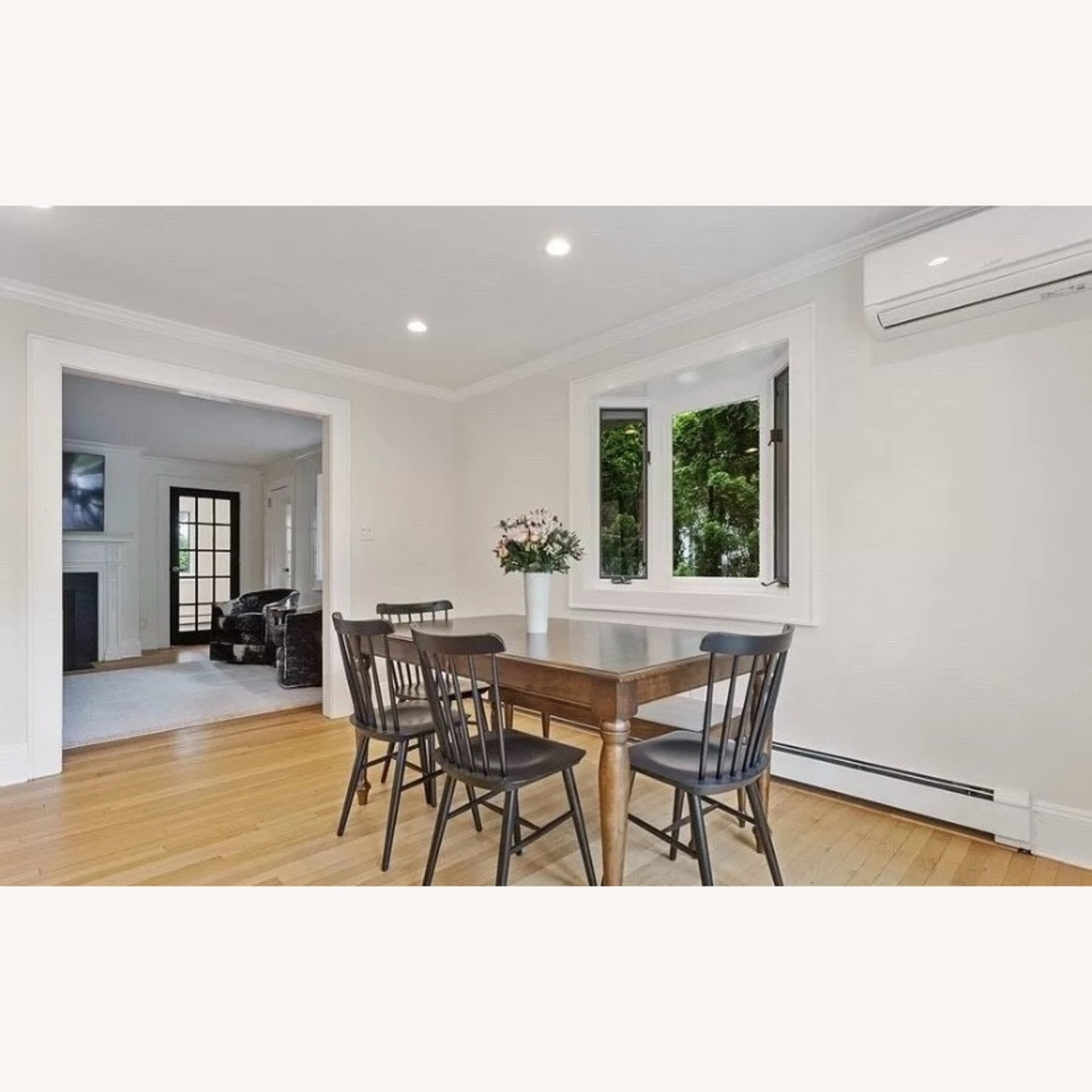 Canadel Dining Table with 2 Leaves - image-2