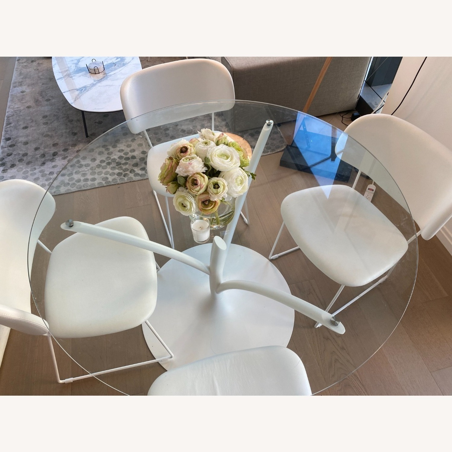 Calligaris Acacia Round Glass Table + 4 Claire Chairs - image-2