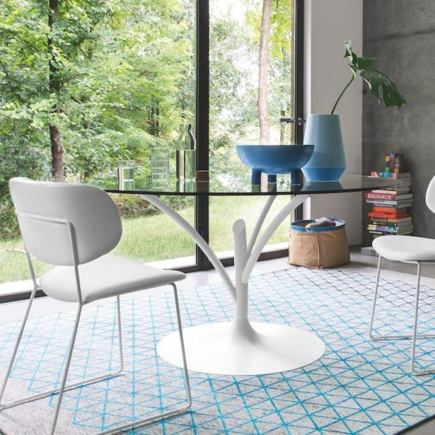 Calligaris Acacia Round Glass Table + 4 Claire Chairs - image-4
