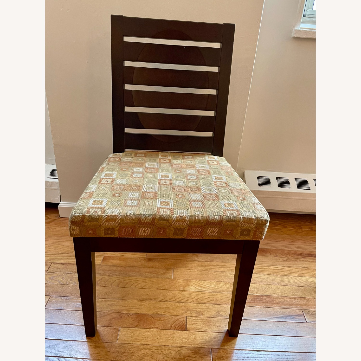 Dining Room Chairs with Modern Cushioning - image-1