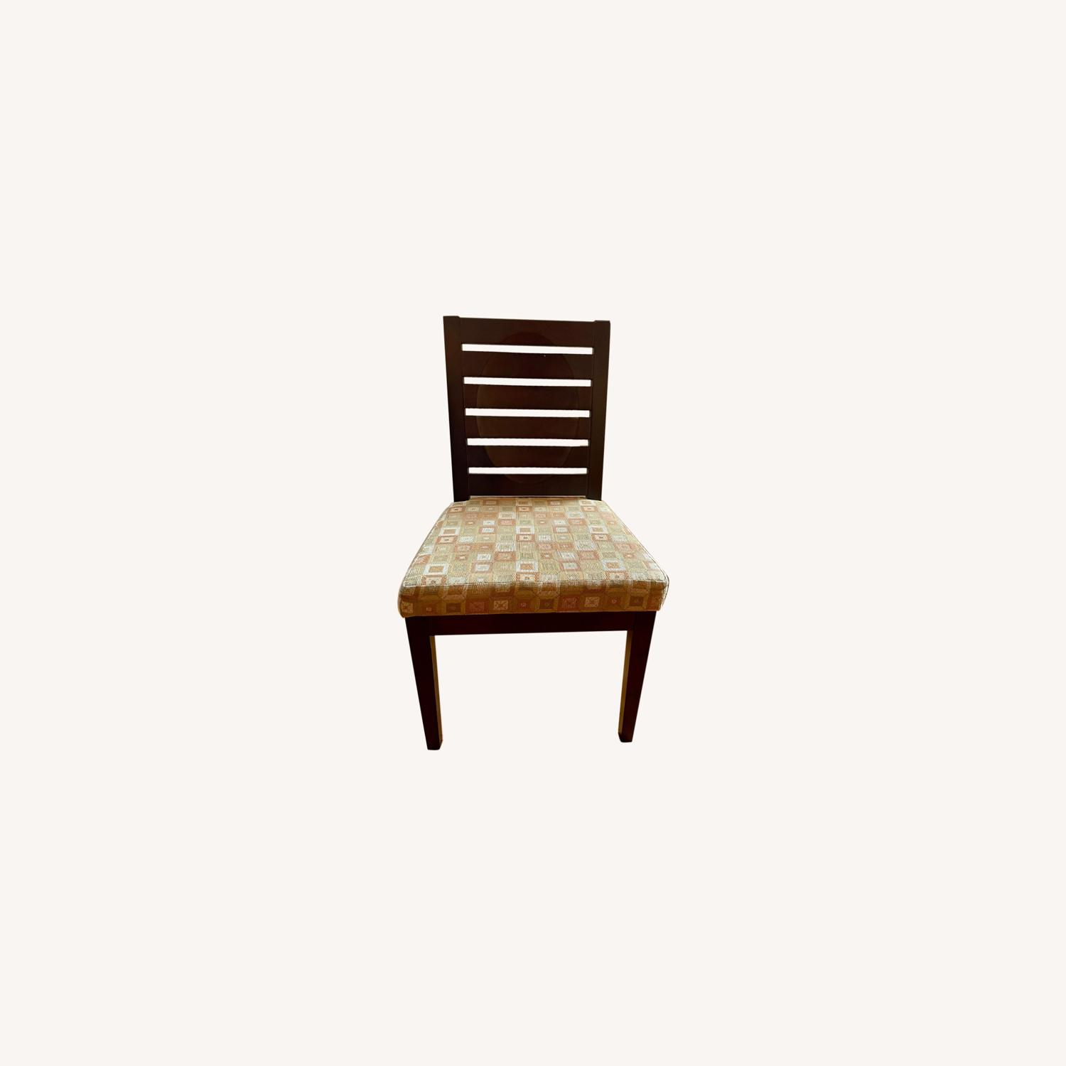 Dining Room Chairs with Modern Cushioning - image-0