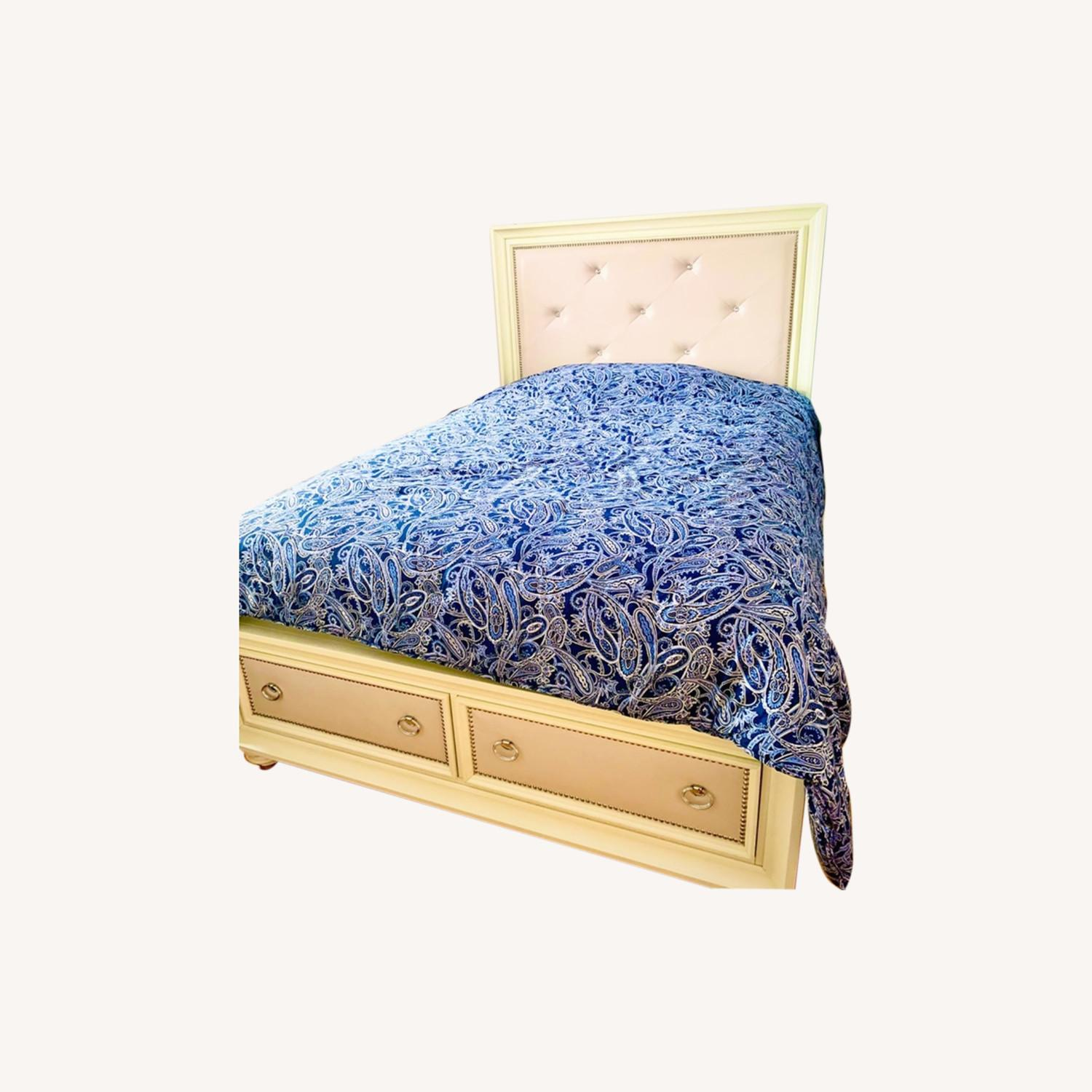 Huffman Koos Furniture Queen Bed Frame w/ 2 Drawers - image-0